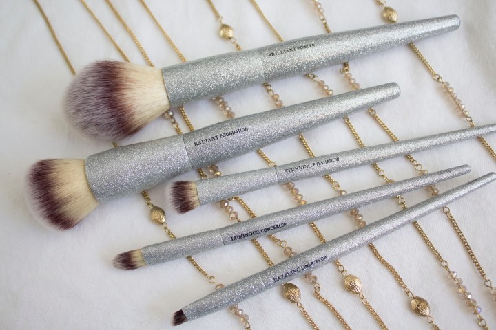 PSA: IT Cosmetics Released Limited Edition GLITTER BRUSHES!!!