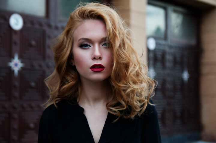 SWATCHES & REVIEW: Estée Lauder Double Wear StickFoundation